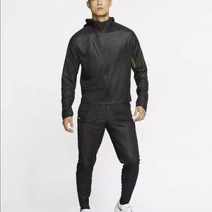 Nike Tech Pack Packable Reflective Running Jacket
